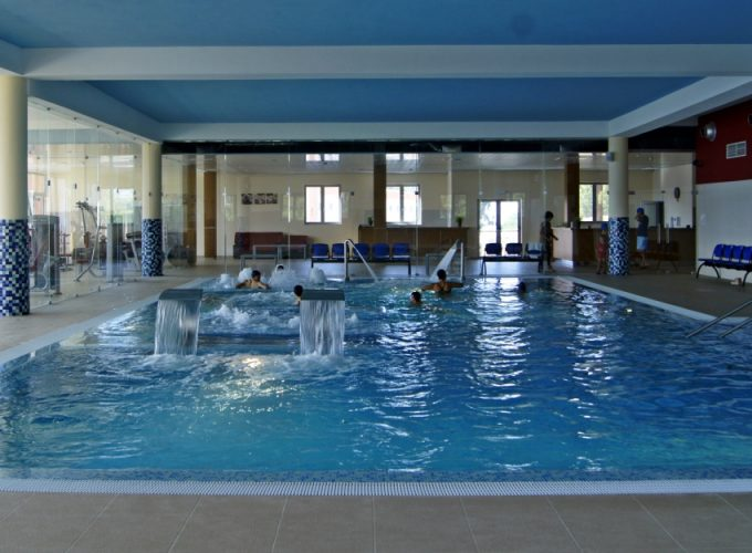 At the Palace Hotel & Spa - Termas de São Miguel located at the foot of the Serra da Estrela, in Fornos de Algodres it has 130 rooms, 17 suites, restaurant and